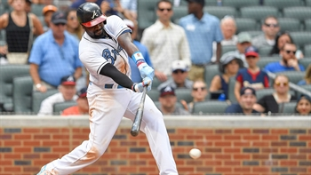 Braves LIVE To Go: Brandon Phillips delivers another walk-off win
