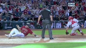 HIGHLIGHT: Descalso delivers walk-off to beat Phillies